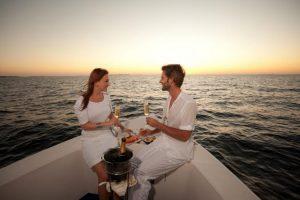Cena romantica in barca lago di Garda